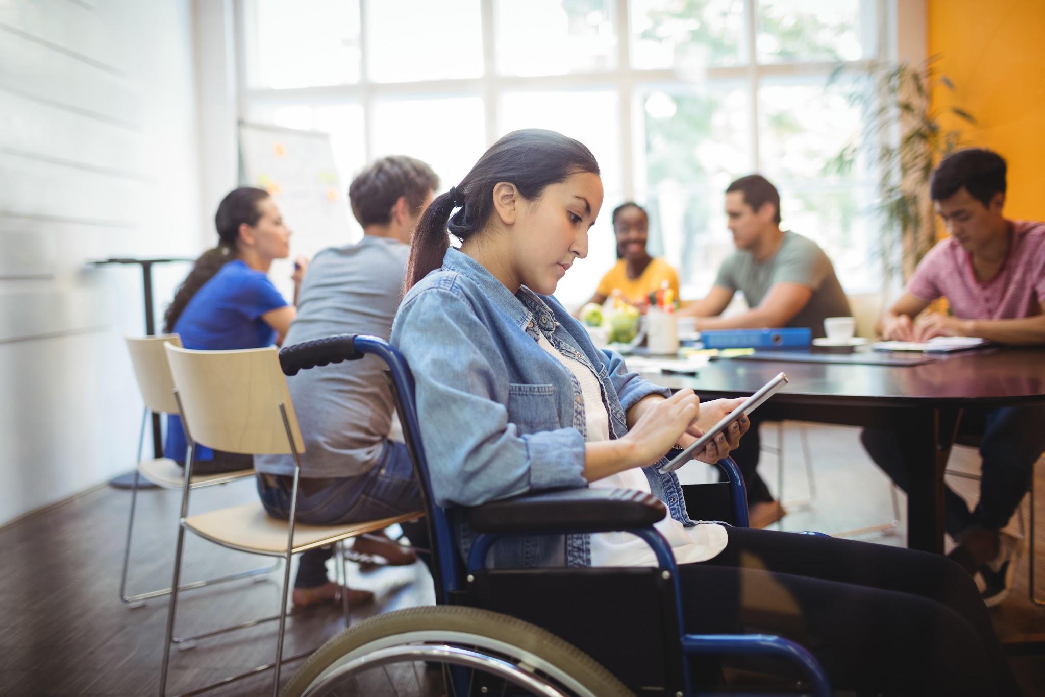 personnes-handicapees-profitez-dinternet